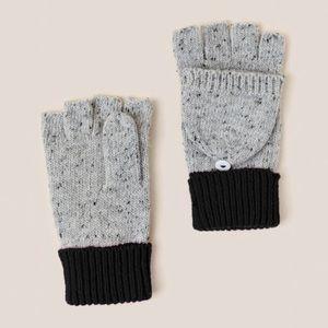 Francesca's Melody Speckled Flip Top Gloves
